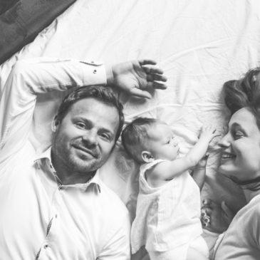 Bezpieczny noworodek na sesji | sesja noworodkowa warszawa