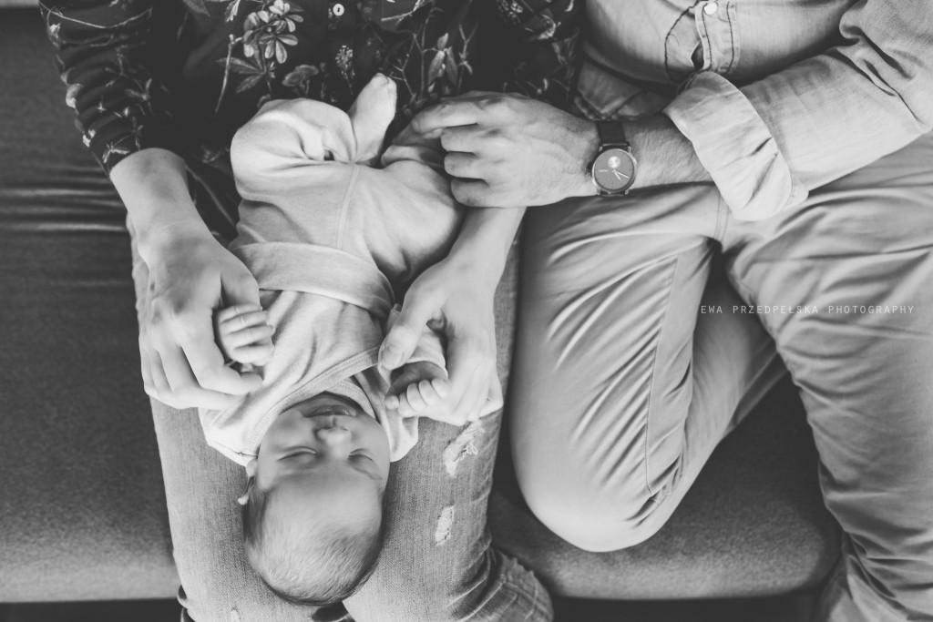 sesja noworodkowa warszawa, fotografia rodzinna, fąfel, ewa przedpełska, zdjęcia rodzinne warszawa, zdjęcia noworodkowe, sesja w domu, fotograf rodzinny warszawa, zdjęcia noworodków, newborn photography warsaw, lifestyle photography warsaw